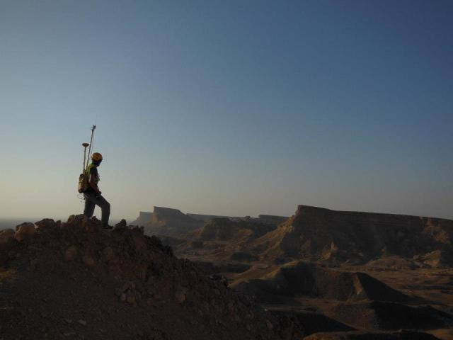 Working in the desert of Oman. Photo: Jeremy Weddell